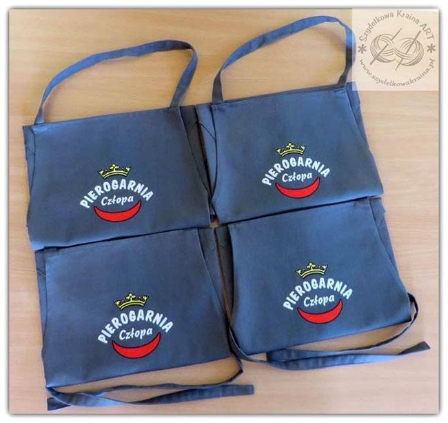 fartuch fartuchy dla pierogarni pierogarnia z logo firmy firmowym haftem haftowane kuchenne do restauracji bistro kawiarni cukierni
