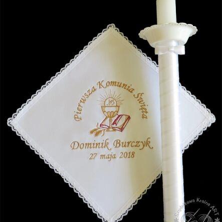 94dea1bb08 Pamiątka I Komunii Świętej - świeca i chusteczka z Twoim haftem ...