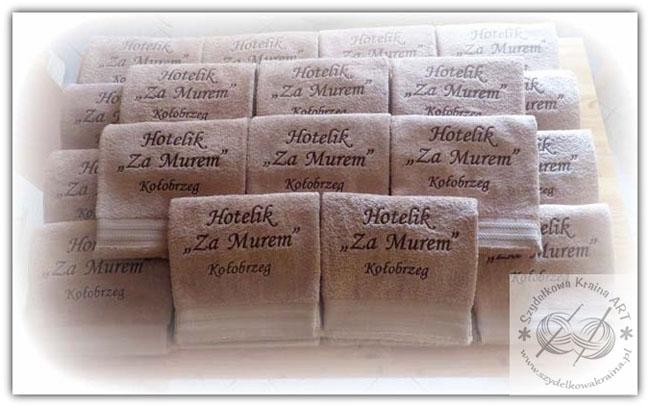 ręczniki hotelowe haftowane ręcznik z haftem napisem tekstem do hotelu pensjonatu apartamentu